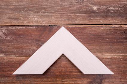 chunky white wood grain