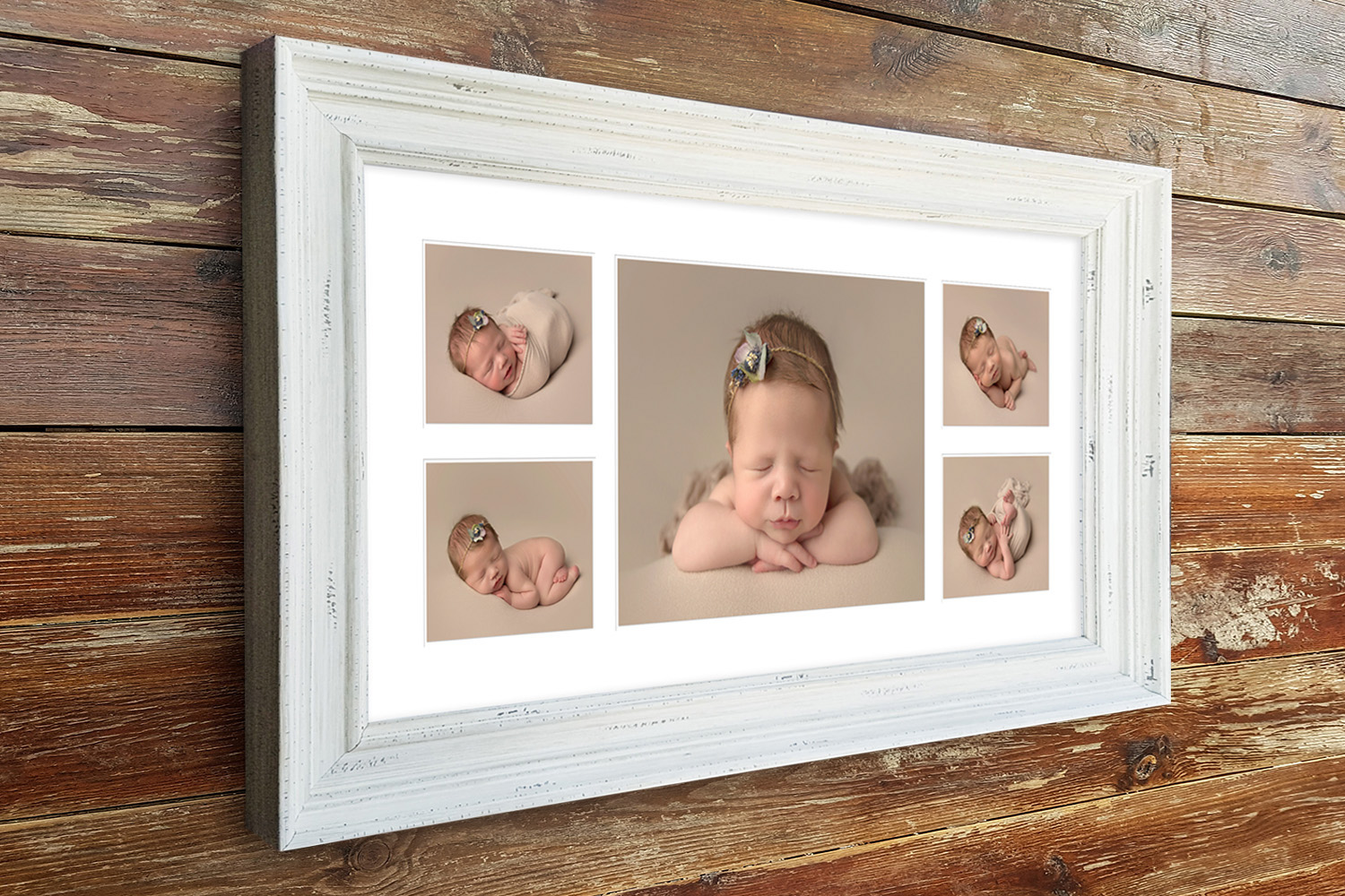 Panoramic multi aperture frame in our Vintage moulding