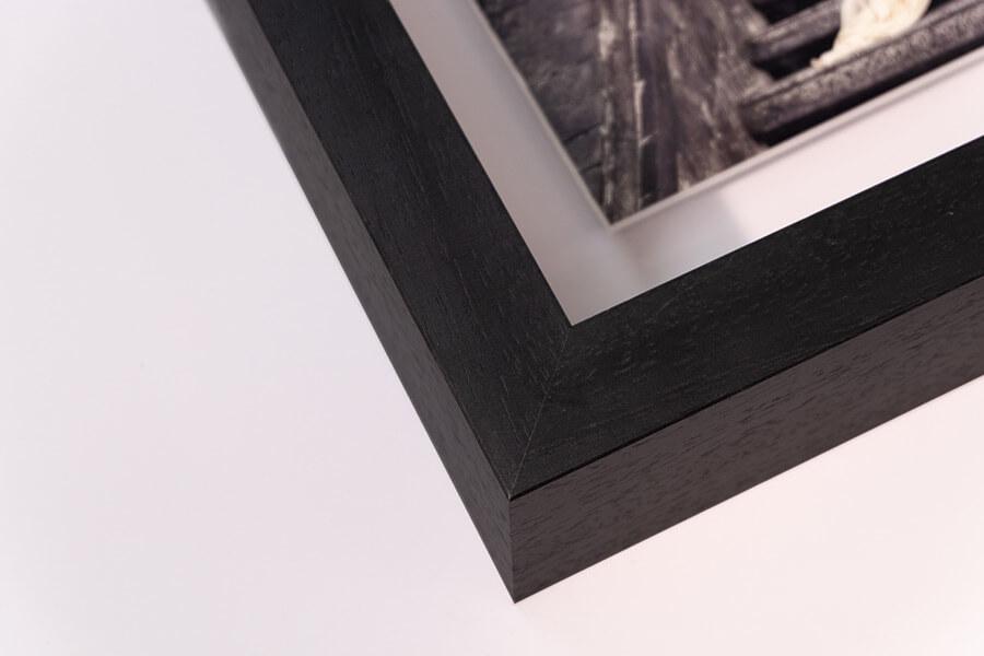 Aperture Float Frame - Black, W: 27mm D:70mm