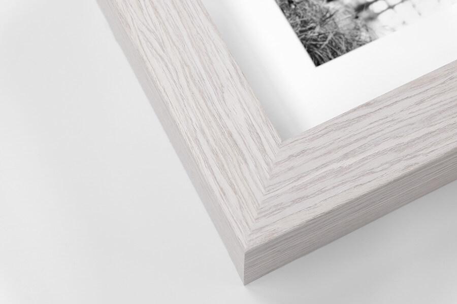 P7 - Chunky White Wood Grain, W:42mm, D:52mm